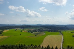 Dorfblick, Hinterhermsdorf, Weifbergturm